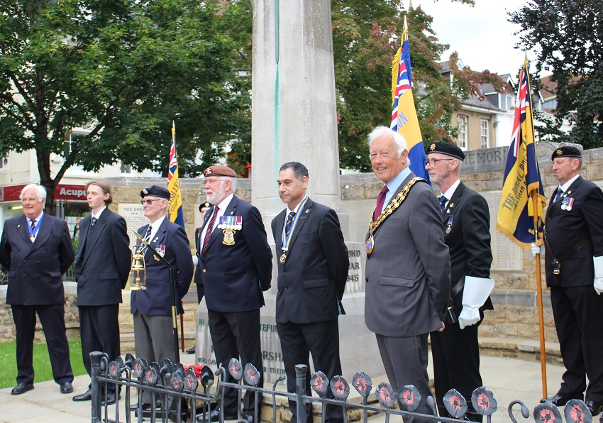 HDC Chairman attends RBL Torch of Remembrance ceremony in Horshams Carfax