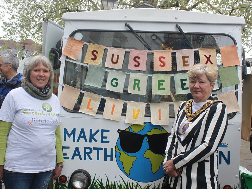 •HDC Chairman helps launch Inspiration Eco Station in Horsham
